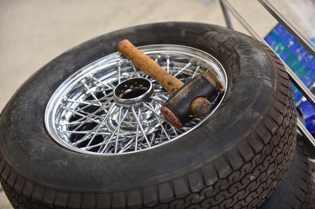 comment savoir que votre voiture classique a besoin de nouveaux pneus. Black Bedroom Furniture Sets. Home Design Ideas
